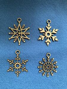 12 x Wooden MDF Christmas Snowflake Craft Shape Blanks with hanging holes