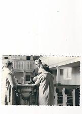 11/341 FOTO TAUFE KIRCHE KIND PFARRER