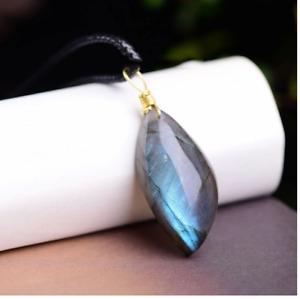 MenQing Crystal Labradorite, Moonstone Pendant; Necklace (Gold)