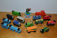 THOMAS THE TRAIN & OTHERS LOT OF WOODEN ENGINES CARS SIR TOPHAM HAT