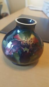 Moorcroft vase Small And Collectable