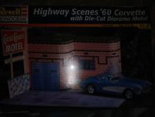 Revell Monogram Highway Scenes 1960 Corvette With Die Cut Diorama 1:25 Model Kit