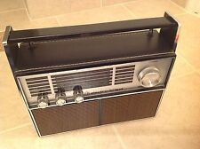 Vintage Electro Brand AM FM Radio w/Leather Case made in Hong Kong