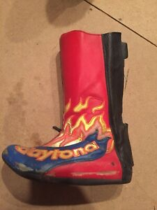 Daytona Speedway Boots Size 8 (42) With GTS Steel Shoe