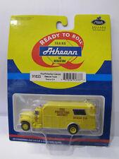 91833 Athearn  Fire Protection District - Rescue Truck - Rescue 214 - 1:87