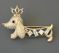 Dachshund dog brooch in gold tone metal with crystals