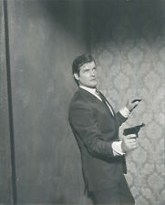 ROGER MOORE AS THE SAINT HOLDING GUN ORIGINAL PHOTO