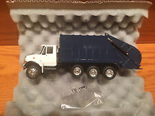 CONRAD INTERNATIONAL 7000 SERIES GARBAGE TRUCK DIE CAST NEW 1:50th SCALE BLUE