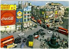 PICCADILLEY  CIRCUS,BRIGHT NEON, DOUBLE DECKER BUSES,LONDON  POSTCARD C.1950