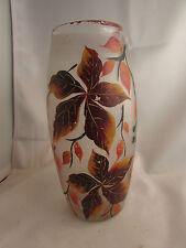 ancien  vase en verre coloré  epoque art deco 1930 decor de vigne