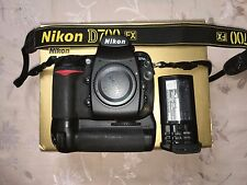 Nikon D700 DSLR Camera Body USA with MB-D10 Battery Grip