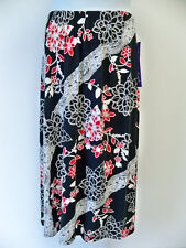 A Personal Touch Skirt NWT 2X  Black Floral