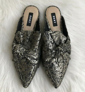 DKNY Pier Bow Black/Gold Canvas Pointed Toe Mule Flats Size 7.5 M