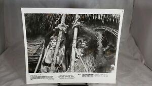 "1983 Press Photo Luke & Chewbacca in ""Star Wars Return of the Jedi"" ROJ-13"