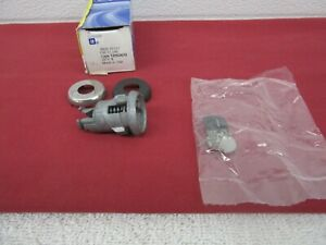 NOS 1990-1996 GM Rear Compartment Lid Lock Cylinder (Uncoded) GM 12502670   dp