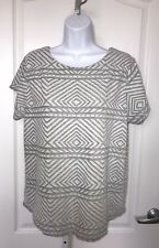 Lucky Brand Gray White Top Shirt Large Button Back Tribal Print Cap Sleeve
