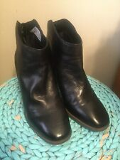 CLARKS Black LEATHER Zip Ankle Women's Boots Chunky Heel Size 10 CUTE!!