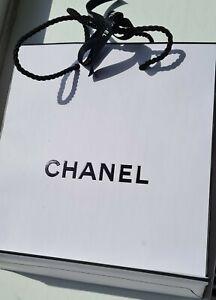 "NEW Chanel L'eau No 5 ***** EMPTY PERFUME BOX ***** & Gift Bag 9"" × 7"" & Ribbon"