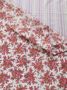 Two Pieces Of 1970s Flower Sheet Fabric  ,64 Cm   By 67 Cm Each Piece