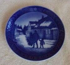 "Royal Copenhagen Denmark Christmas Plate ""Bringing Home the Christmas Tree"" 1980"