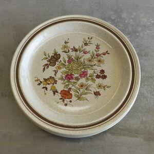6  Vintage Royal Doulton Gaiety Small Plates (2 sizes) Lambeth Stoneware 1975