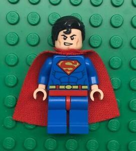 Lego Superman Minifig lot: Super Hero Figure Spongy Soft Knit Cape 76028