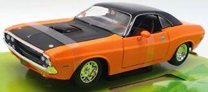 Maisto 1/24 Scale Model Car 32518 - 1970 Dodge Challenge R/T