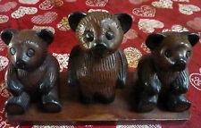 3 OURS EN BOIS - SUR UN SUPPORT DE PRÉSENTATION - TEDDY - BEAR