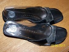 """DONNA LAWRENCE BRAND BLACK SLIDE SANDALS SIZE 9.5M 3"""" HEELS SYNTHETIC MATERIALS"""
