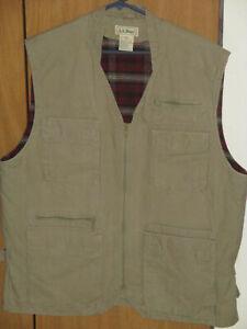 L.L. Bean Men's Large Thinsulate Khaki Plaid Fishing Front Zip Heavy Cotton Vest