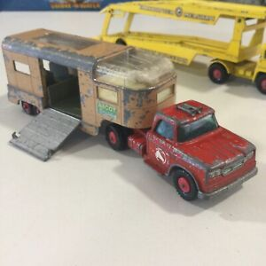 VINTAGE MATCHBOX LESNEY KING SIZE K18 RED DODGE ARTICULATED HORSE VAN TRUCK 1:43