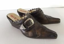 Scarpe vintage da donna in oro in pelle