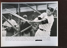 Original March 5 1962 Mickey Mantle Swings Big Bat 8 X 10 Wire Photo