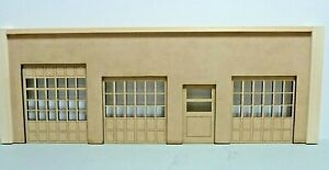 1:18  SCALE DIORAMA /TRUCK/ AUTO CENTER OPENING DOORS UNFINISHED