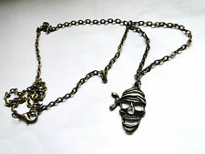 COLLIER  TETE DE MORT PIRATE  EN BRONZE