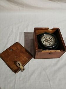 VINTAGE COMPASS IN WOODEN DOVE TAIL BOX NAUTICAL