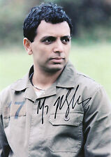 M. NIGHT SHYAMALAN Signed 12x8 Photo THE SIXTH SENSE & THE VILLAGE COA