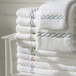 Matouk Classic Chain Bath Towel Light Blue (Set of 2)