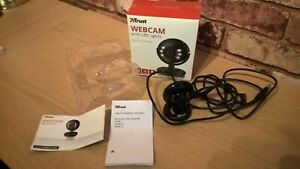 TRUST 16428 SPOTLIGHT PRO WEB CAM WITH LED LIGHTS 1.3 MEGAPIXEL WITH MICROPHONE