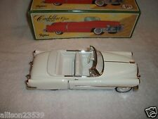 1950'S MODEL CADILLAC CAR - METAL