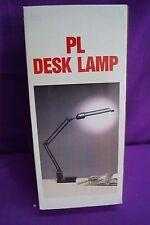 Lampe, Gelenkleuchte, Tischlampe, Arbeitsleuchte mit Tischfuss