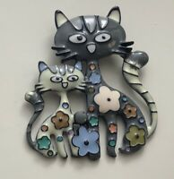 Adorable artistic cat kitty flower brooch pin in enamel on metal