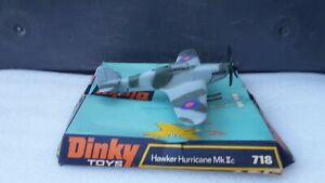 DINKY TOYS ANGLETERRE 718 AVION HAWKER HURRICANE MK II C WW2 COMME NEUF + BOITE