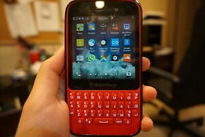Lightly Used Grade A Blackberry Q5 Red 8GB Free Fast Shipping PRICE NEGOTIABLE