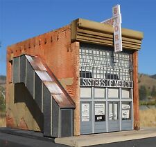 DOWNTOWN DECO O SCALE SISTERS OF MERCY THRIFT STORE KIT   BN   51