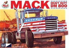 MPC 899  MACK DM800 SEMI TRACTOR plastic model kit 1/25