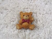 1984 HALLMARK  Teddy Bear Pin (C68)