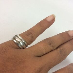 Beautiful Tiffany & Co 1995 sterling Silver Band 925 ring size 6