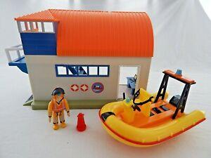 FIREMAN SAM SEA RESCUE FIGURE WITH RESCUE BOATHOUSE, NEPTUNE RECUE BOAT & BUOY