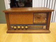 RETRO GE AM FM CLOCK RADIO PECAN ON WOOD FINISH C2560H WATCH DEMO VIDEO